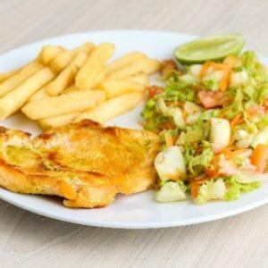 almuerzo institucional pechuga de pollo a la plancha
